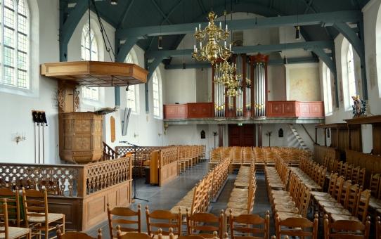 Een nieuwe geluidsinstallatie voor de Johannes de Doper kerk.